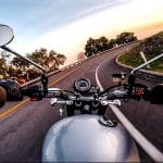 Comment démarrer une moto qui n'a plus de batterie ?