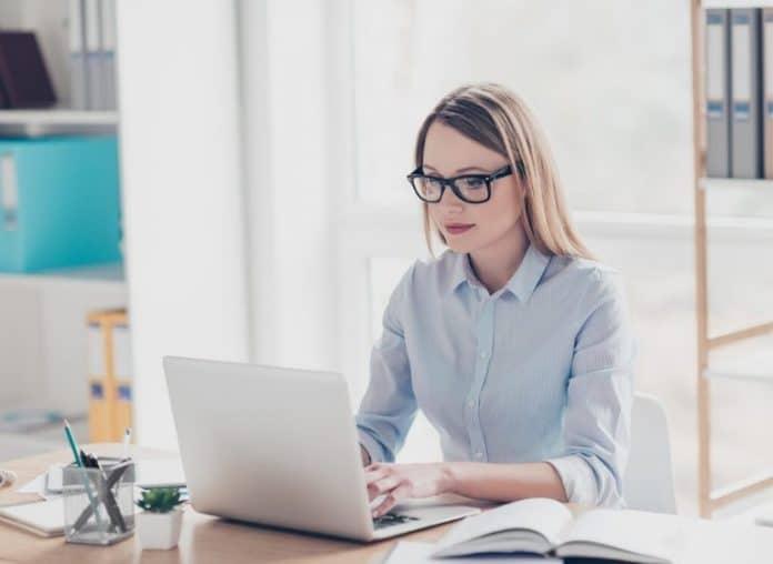 Peut-on se lancer sur le web sans diplôme ?