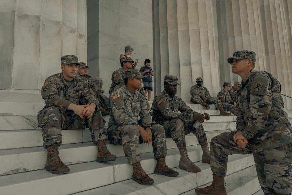 Quel est le salaire moyen d'un soldat américain ?