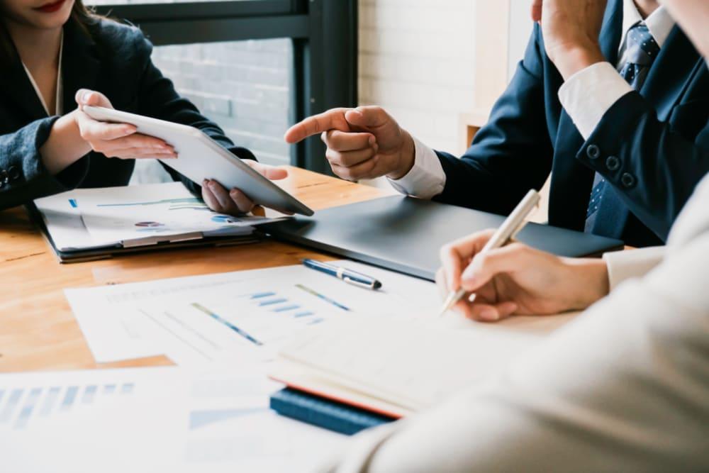 Quel est le rôle d'un directeur administratif et financier?